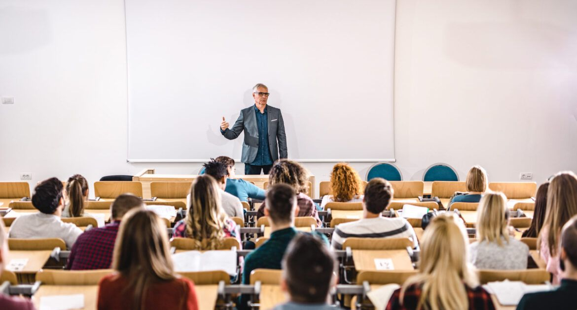 Five Skills You Need to Become a Lecturer in Higher Education